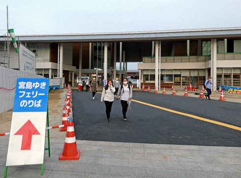 JR宮島フェリーの旧フェリーターミナルビル解体後の風景