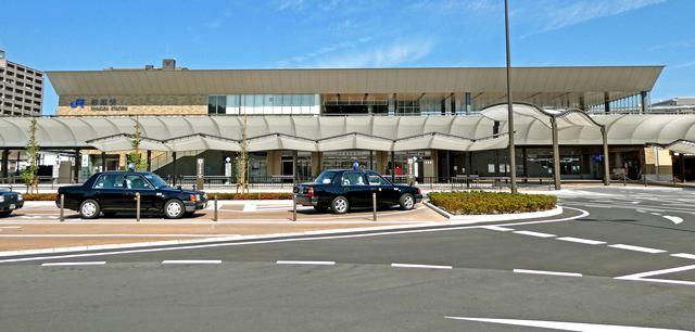 岩国駅が新駅舎で橋上化、西口・東口の駅前広場も完成!