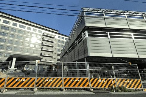 グランヴィリオホテル宮島 和蔵、横に立体駐車場
