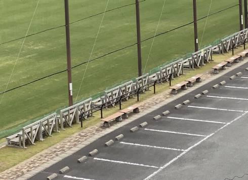 吉田サッカー公園 見学用ベンチ