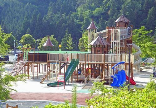 佐伯総合スポーツ公園、子供に嬉しい大型遊具が完成