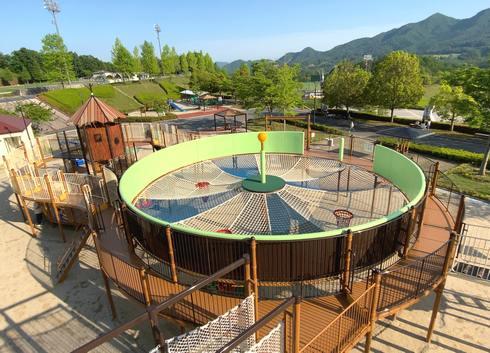 佐伯総合スポーツ公園、ネットの大型遊具