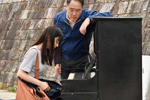 おかあさんの被爆ピアノ、映画あらすじ(佐野史郎とAKB武藤十夢)