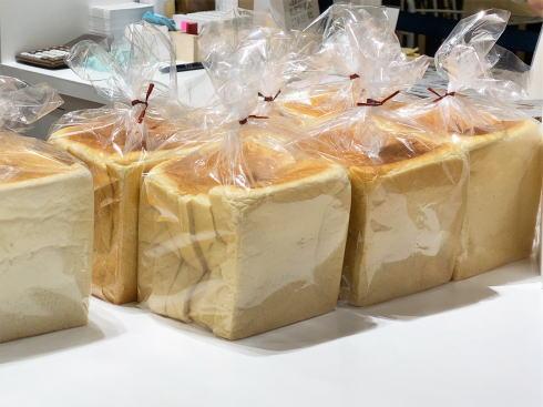 LECT 食パン専門店「一本堂」パン