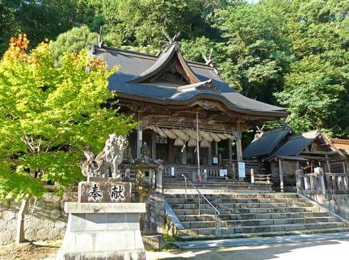 清神社で参拝して、郡山公園展望台を目指す