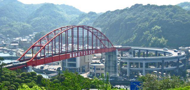 音戸大橋、グルグルと螺旋道路をのぼっていく真っ赤な音戸のシンボル橋!