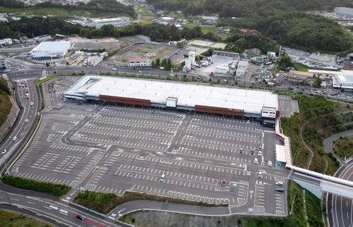 ジアウトレット広島の南駐車場に、立体駐車場が完成