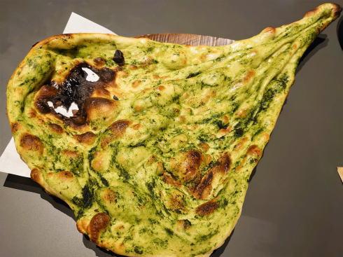 広島市 カレー・インド料理 タブラ(TABLA)ほうれん草のナン