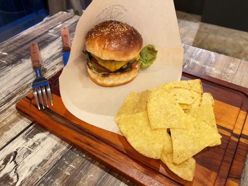 廿日市市阿品 ユバ(yuba)オリジナルハンバーガー