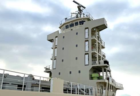 ポテト丸の操舵室は、船の最上階・6階部分に