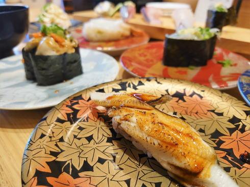 広島駅のグルメ回転寿司「すし辰」瀬戸内海の味覚を、気軽に味わう!