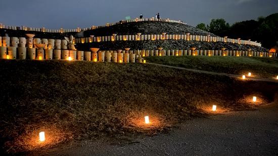 東広島・三ツ城古墳「光の宴」キャンドル3000本でライトアップ