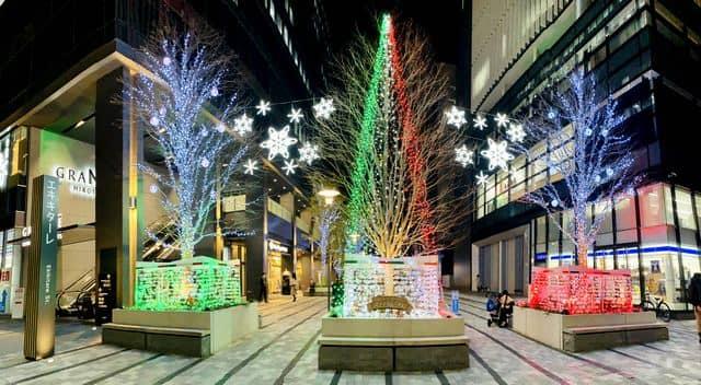 広島 エキキターレのクリスマス装飾