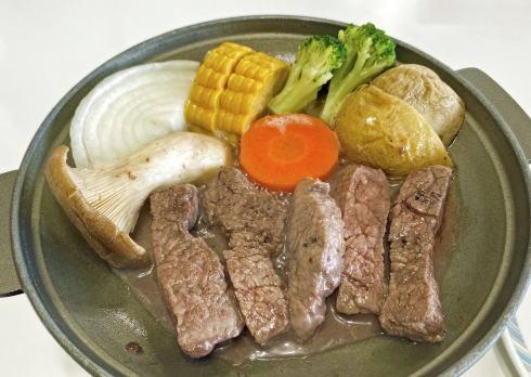 ひば・道後山高原荘の夕食 広島牛ステーキ