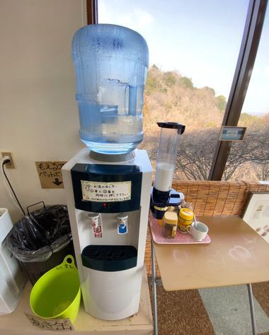 因島 はっさく屋、イートインはコーヒーのサービス有り