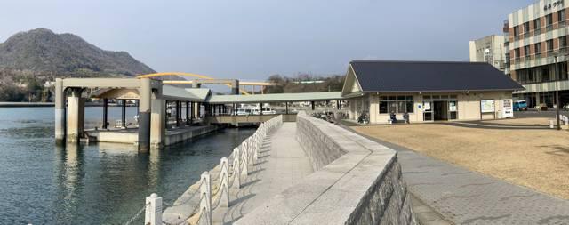 瀬戸田港 旅客ターミナルの外観