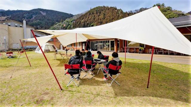 湯来にキャンピングオフィス オープン、広島初アウトドア型研修施設