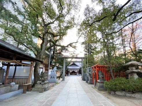 広島市 空鞘稲生神社境内の様子