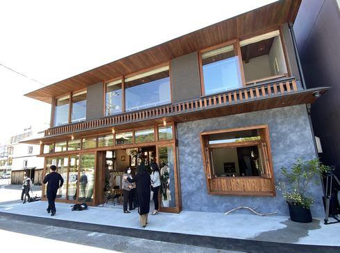 ソイル瀬戸田、尾道・瀬戸田港そばにレトロな複合施設オープン!蔵は観光案内所に