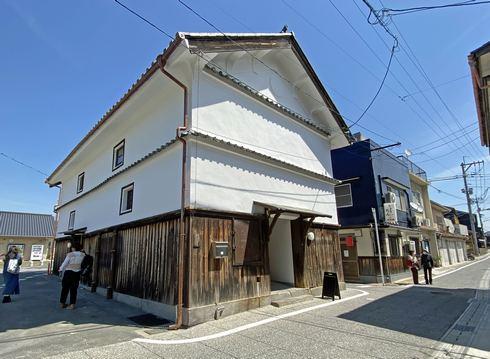 ソイル瀬戸田の蔵は、アクティビティーセンター(観光案内所)