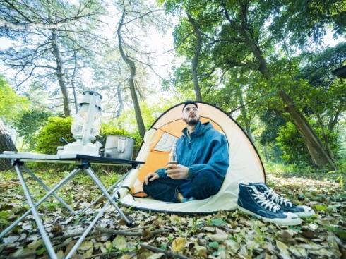 広島で山林レンタルできる「ヤマカス」ソロキャンパー向けサービス