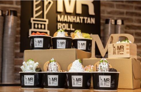 ホンデチキン でマンハッタンロールアイスクリームも提供する