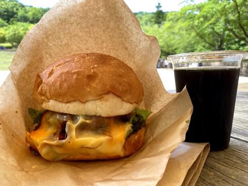 東広島八本松の巨大ハンバーガー「グレイビージャック」のジャックバーガー