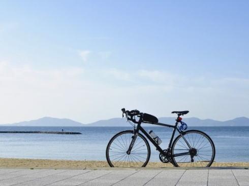 サイクリングロードで見かける「サイクルスタンド」自転車の置き方・使い方はどうするのが正解?