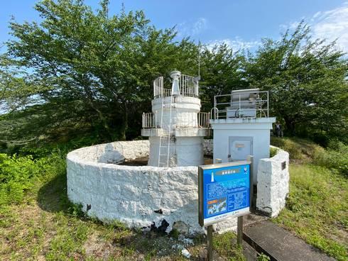高根島灯台 灯台の様子