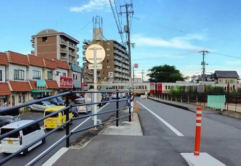 畑口寺田線、鴨原踏切北の慢性的な渋滞