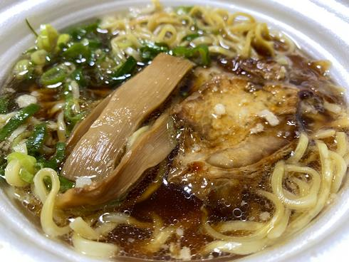 尾道ラーメン 背脂醤油、セブンイレブンから広島・島根・鳥取で販売
