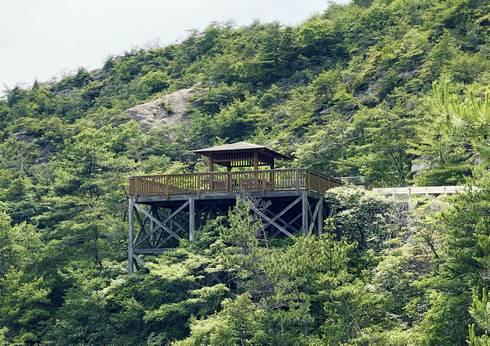 物見橋公園展望台 海から見た展望台