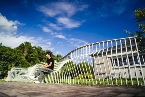広島の街なかをピースにするデザイン woonelf fense