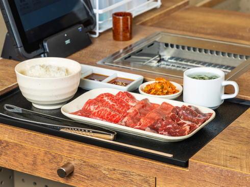 1人焼肉ウルフ、広島初のおひとり様専門店オープン